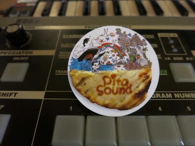 サウンドデザイナーPitaSoundさんの名刺制作: http://pitasound.com/